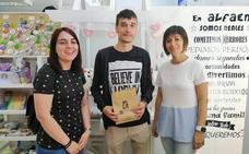 Javier Arias apuntala en Alfaem la apuesta de IU por el apoyo al tejido asociativo de la ciudad
