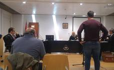 Los acusados de herir a un oso en Casavegas, en Palencia, aseguran que dispararon a un lobo y a un jabalí