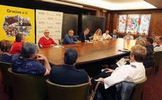 Alcalde y sindicatos acuerdan la necesidad de negociar un nuevo convenio colectivo para el personal municipal