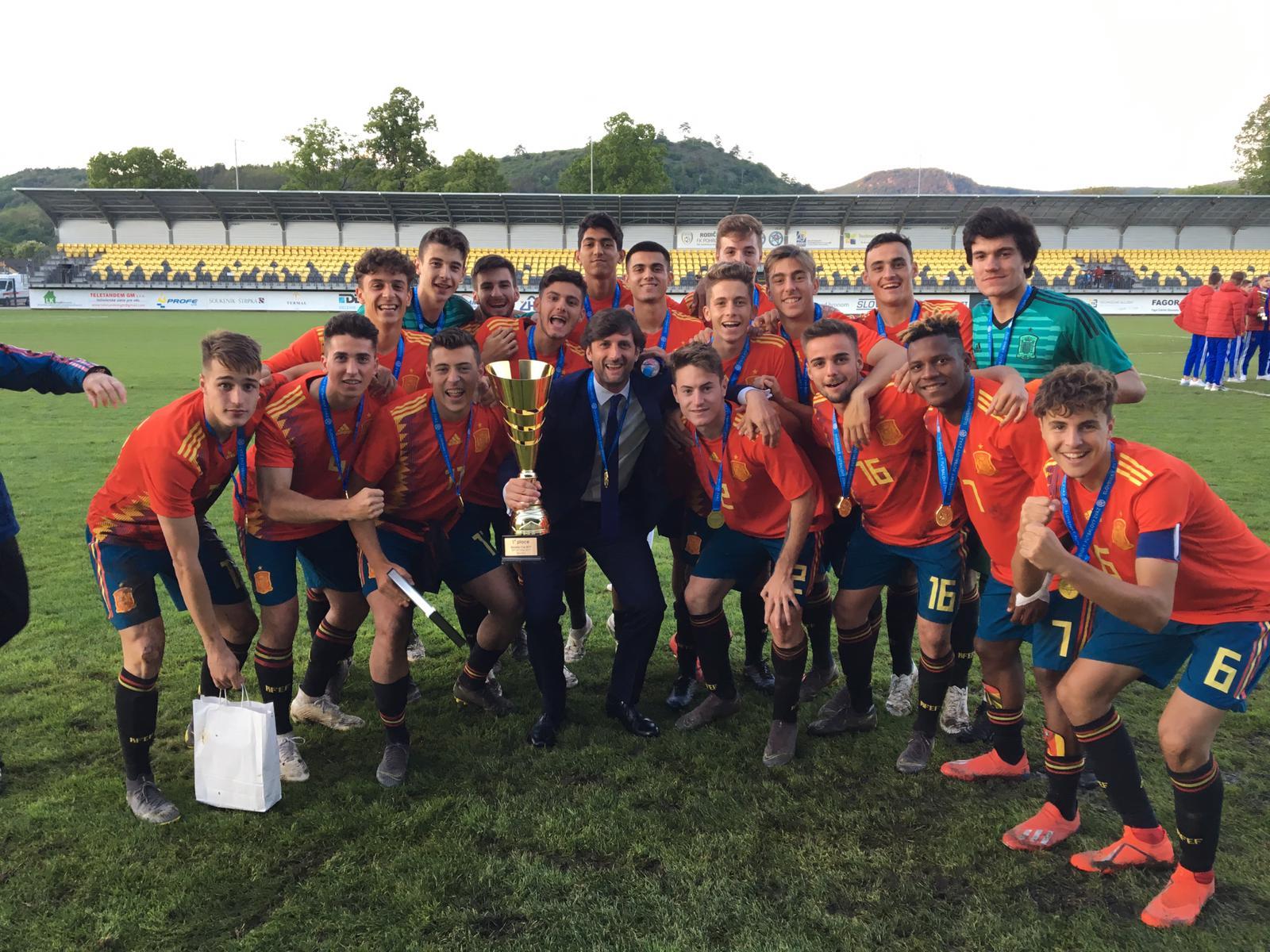 Iván Morante lidera a la sub-18 para ganar la Slovakia Cup