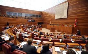 Los resultados de las urnas decidirán en León el reparto de 13 procuradores y 1.645 concejales