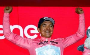Carapaz gana la etapa y se viste de rosa