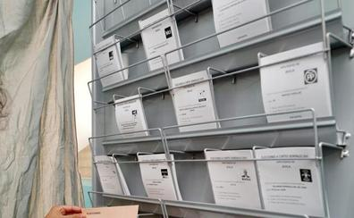 León abre una tensa e incierta jornada electoral con el futuro local y autonómico en juego
