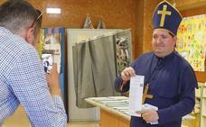 El 'obispo' va con el PP