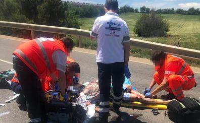 Herido muy grave un ciclista tras colisionar contra un coche en la Carretera de Fuensaldaña de Valladolid