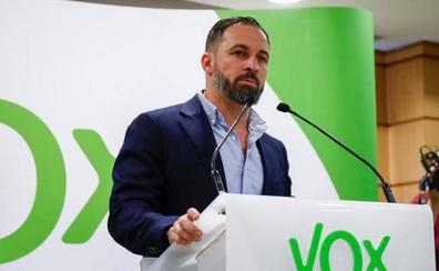 Abascal aprieta a Rivera y avisa de que Vox no apoyará gobiernos sin diálogo previo