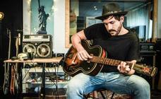 Capitán Cobarde: «Me levanto convencido de que he nacido para hacer canciones»