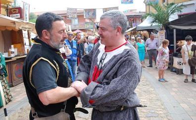 El juez Vázquez Taín se muestra «honrado» de ser el mantenedor «del último Passo Honroso de Europa» medieval