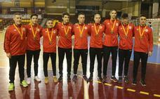 Tres miembros de la 'generación de oro' cadete del Ademar, con España al Europeo
