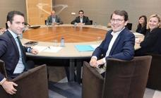 PP y Cs alcanzan un principio de acuerdo para negociar un gobierno en Castilla y León