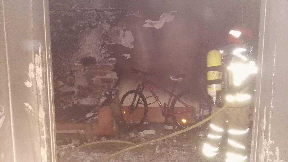 Reaniman a un joven que permanecía colgado de una ventana tras un incendio en Valladolid