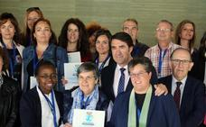 La Junta entrega el sello ambiental 'Centro Educativo Sostenible' a 24 colegios e institutos