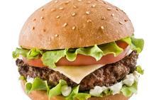 Detectan un fraude en la calidad de las hamburguesas de los comedores sociales en Francia