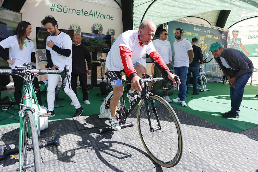 Bicicleta solidaria de Caja Rural a favor del Banco de Alimentos de León