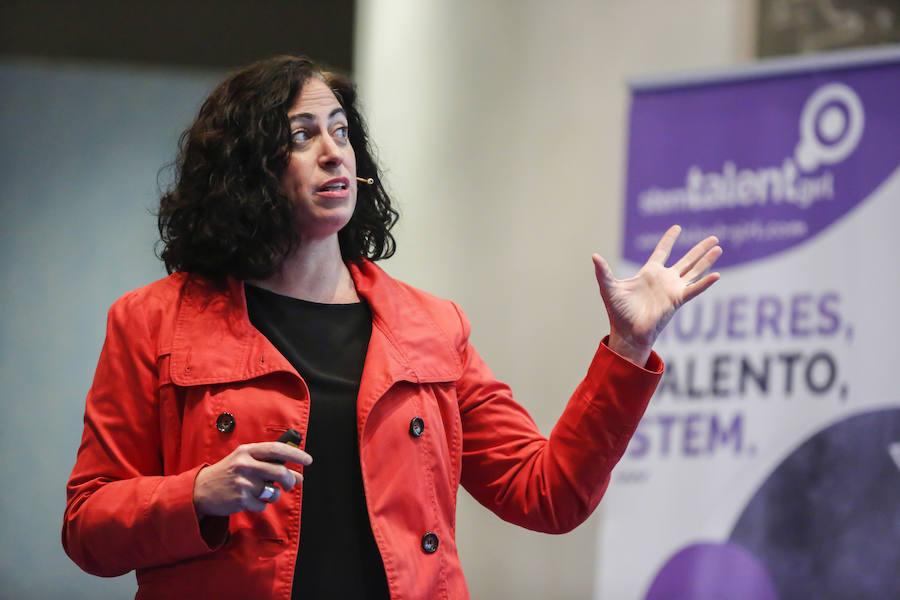 Sesión de clausura del programa Stem Talent Girl con Cristina Aranda