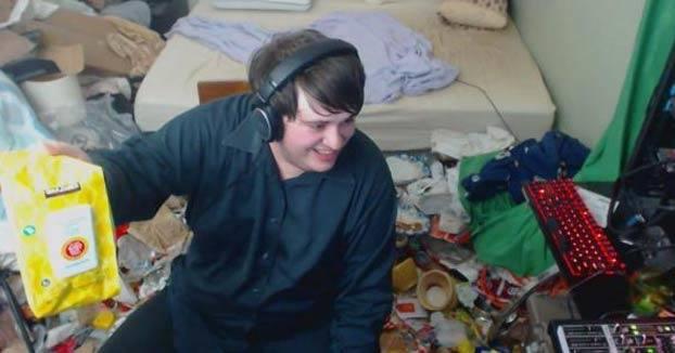 No limpia su habitación desde 2005