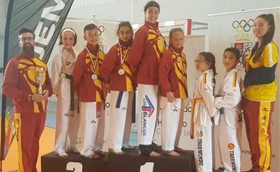 Siete medallas, cuatro de oro, para el Club Saya Los Blancos en el Campeonato de Castilla y León