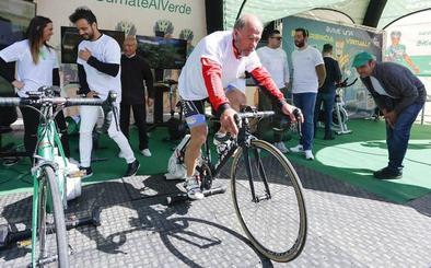 León solidaria consigue 2,2 toneladas de alimentos en el Proyecto 'Bicicleta Solidaria de Caja Rural-Seguros RGA'