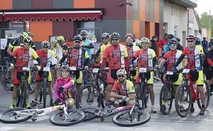 Más de un centenar de ciclistas disfrutan del turismo y el deporte en la III Ruta de Bicicleta de Montaña de Hospital de Órbigo