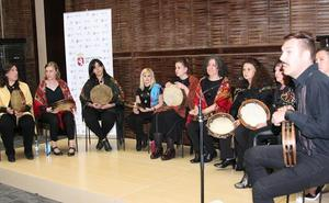 El aula de pandereta tradicional ofrece un concierto que recorrerá cantares de las tierras leonesas