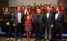 La alumna del Leonés-San Isidoro Blanca Dávila gana el VI Concurso Literario de Relatos Breves 'León, cuna del parlamentarismo'