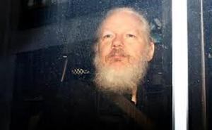 El Gobierno de Londres da el primer paso para extraditar a Assange a Estados Unidos