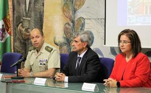 El regimiento de inteligencia premia la labor de la Cátedra Almirante Bonifaz de la ULE