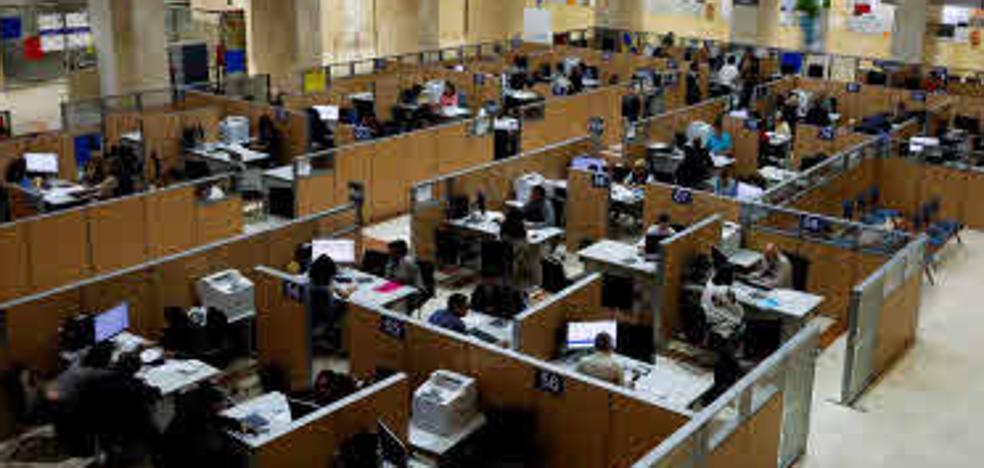 La Administración General del Estado pierde 20 funcionarios al día