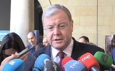 Antonio Silván asegura que «hay que respetar los acuerdos» que garanticen la «estabilidad y la democracia»