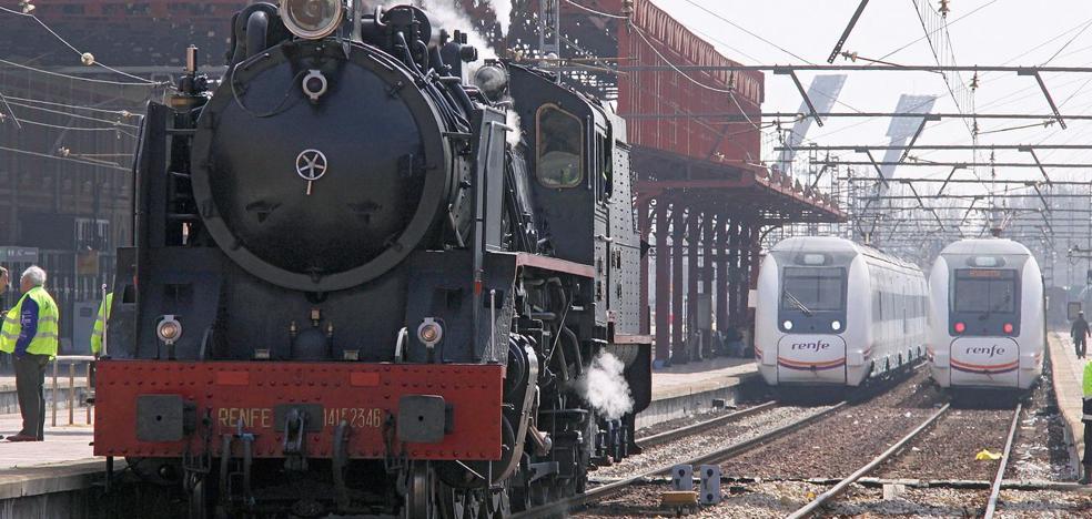 El patrimonio ferroviario de León en serio riesgo por el acoso y derribo que sufre la asociación que lo conserva