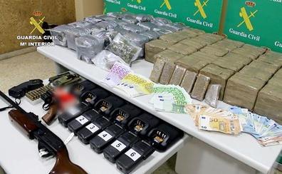 Una operación internacional de la Guardia Civil permite localizar 30 kilos de hachís en San Andrés