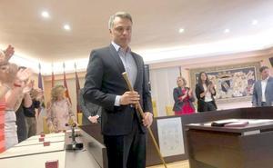 Juan Pablo Regadera lleva a la oposición a Juan Martínez Majo