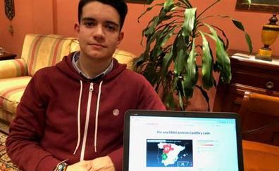 Un joven leonés entrega 178.000 firmas al Ministerio de Educación pidiendo una EBAU única