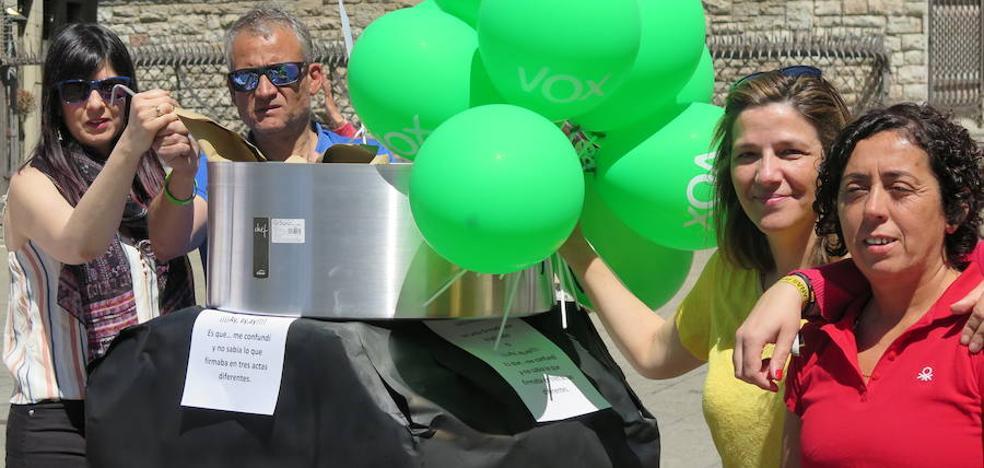 Vox saca el 'pucherazo' a la calle