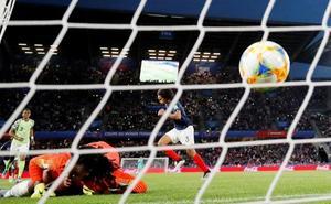 Francia derrota a Nigeria y acaba primera de grupo