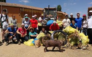 Alcuetas logra 100 kilos de basura en la gran recogida ciudadana contra la 'Basuraleza'