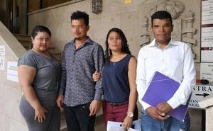 Los testimonios de la operación 'Adelita': «He hablado con chicas a las que obligaban a abortar y a pedir asilo político»