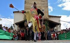 Laguna de Negrillos ultima las horas para la celebración de su afamada procesión del Corpus Christi