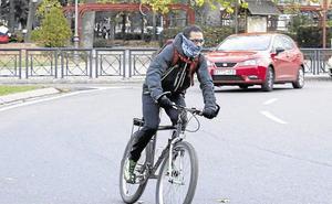 Menos del 40% de los conductores recuerda haber visto al ciclista que adelantaron en ciudad