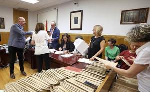 La Fiscalía considera válida la decisión de dejar sin representación a VOX en el Ayuntamiento de León tras el baile de votos de la mesa 7-5B