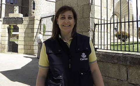 Sara Llamas, cartera de Astorga, protagoniza un vídeo de Correos para promocionar el Camino Francés