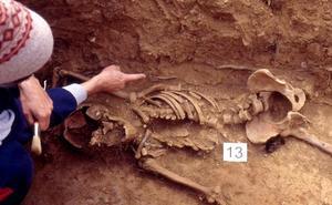 El Gobierno liderará las exhumaciones de represaliados y prevé activar un plan para recuperar 25.000 víctimas en cuatro años