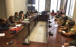 Los jefes de comarca y los celadores mayores de León abordan un plan coordinado de lucha contra el fuego