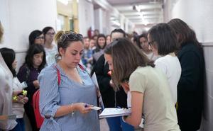 Más de 12.000 personas afrontan las oposiciones de maestros en Castilla y León