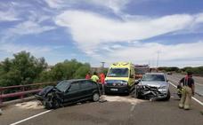 Un fallecido en una colisión frontal entre dos vehículos en Puente Duero, Valladolid