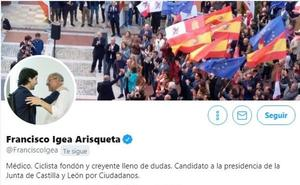Igea ilustra su perfil de Twiter con una foto junto a Toni Roldán, que deja Cs