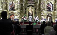 La lluvia deja el fervor por San Juan bajo techo pero León cumple con la tradición