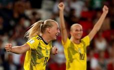 Blakstenius y Lindhal sostienen a Suecia
