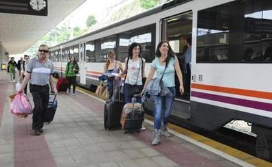 El tren 'playero' acercará Gijón a León desde el 1 de julio hasta el 1 de septiembre