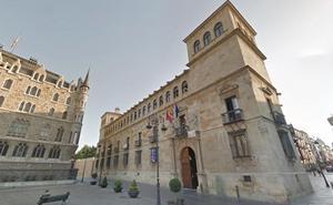 La Diputación elaborará un documento tipo para que las juntas vecinales puedan nombrar a un secretario-vecino